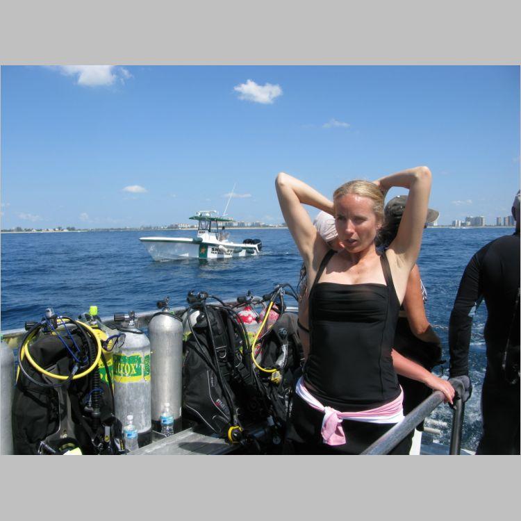 Dive_10-July-2010_PuraVida_DoubleLedges-5763.JPG